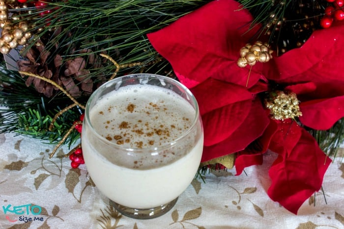 keto eggnog with cinnamon topping