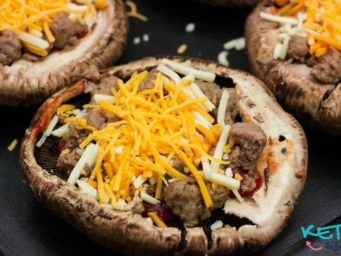 Easy Keto Portobello Mushroom Crust Pizza Recipe. You don't have to lose one of your favorite meals on the ketogenic diet! You can enjoy pizza in a low carb hugh fat recipe using mushroom caps as your pizza crust!