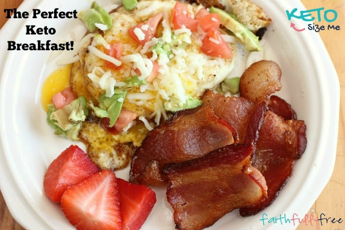 Low-Carb-Egg-and-Bacon-Breakfast-