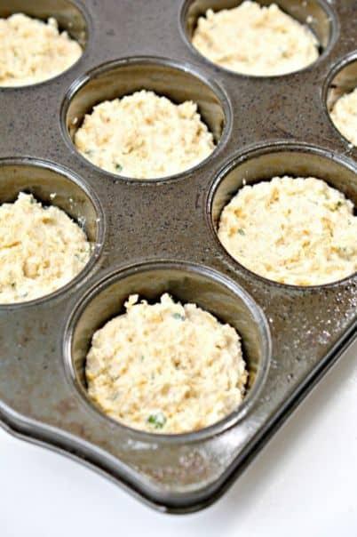 raw keto garlic biscuits