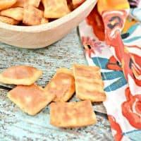 Keto Garlic Cheese Crackers